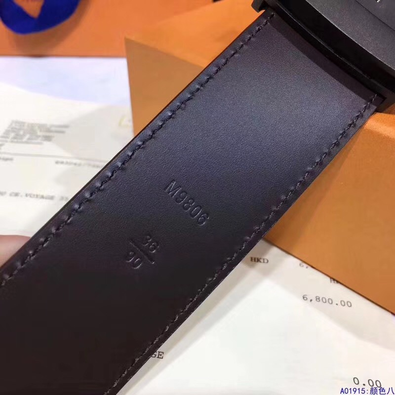 】LV皮带 40毫米,采用与秋冬男士时装秀的Monogram