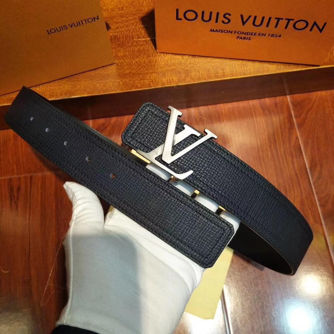全套包装 LV皮带双面腰带,40毫米 ,由极为柔软的新版Uta